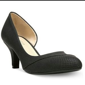 Naturalizer Black Deva Heels